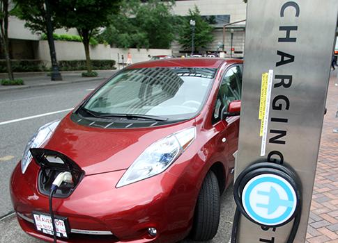 Nissan Leaf / AP