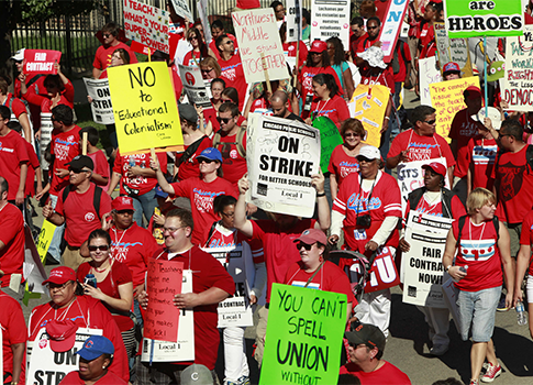 Chicago teachers on strike Sept. 15 / AP