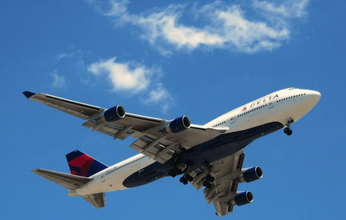 Delta airplane / Flickr
