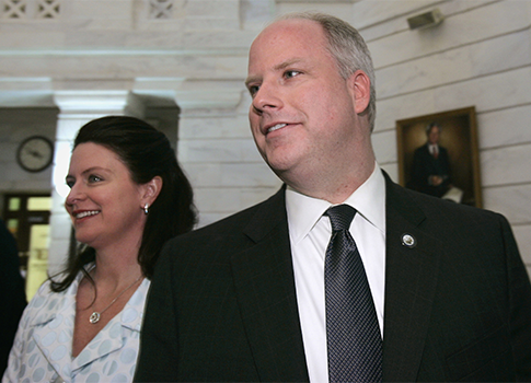 Ark. Attorney General Dustin McDaniel with wife Bobbi / AP