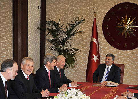 Hagel meets with Turkish President Abdullah Gul in 2008 / AP