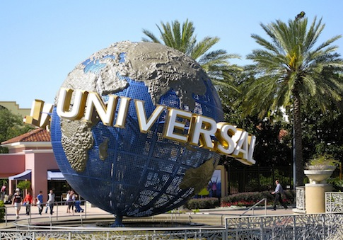 Universal Orlando globe / Flickr