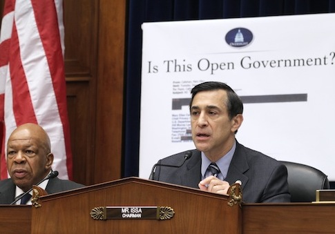 Darrell Issa, Elijah Cummings during Sunshine Week 2011 / AP
