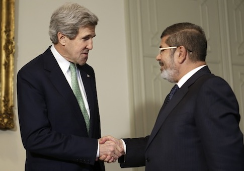 John Kerry with Egyptian President Mohamed Morsi / AP