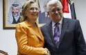 Hillary Clinton with Palestinian President Mahmoud Abbas 2010 / AP