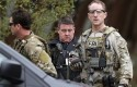 armed FBI agents are on the scene in Cambridge, Mass., April 19, 2013 / AP