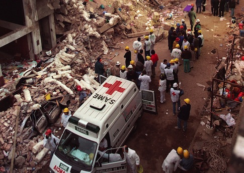 Damage from the 1994 AMIA bombing / AP