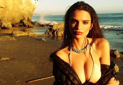 Model Emily Ratajkowski's Lines: Not So Blurry (Photos/Videos)