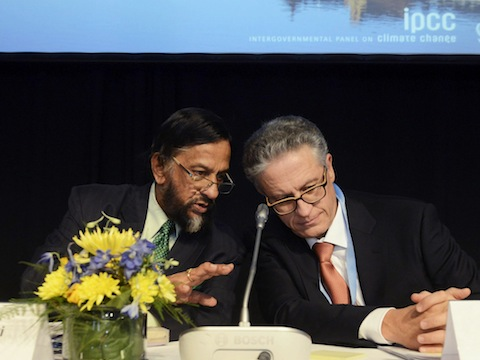 Head of the IPCC,Rajendra Pachauri, and co-chairman Thomas Stocker / AP