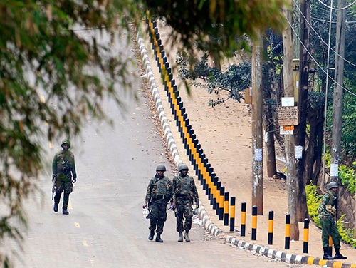 Kenyan soldiers patrol Westgate shopping mall