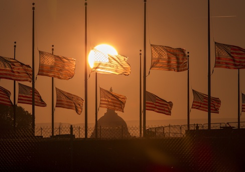 Navy Yard Shooting, Flags Fly at half-staff, Washington Monument