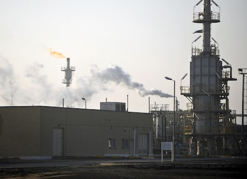Iranian gas refinery, Qom, Iran / AP