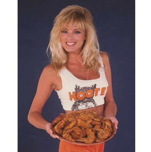 Hooters Instagram
