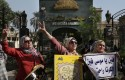 Egyptian women in front of Parliament / AP