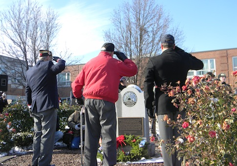 WWII vets wreath ceremony