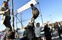 Public execution in Iran / AP