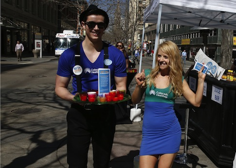 Models promoting Colorado's health insurance exchange / AP