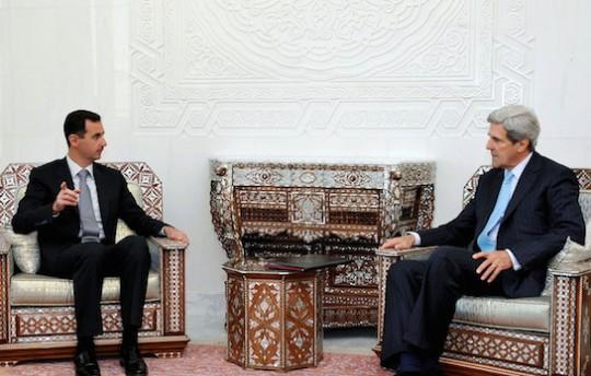 Syran President Bashar al-Assad meets with then-Senator John Kerry in 2010. (AP)