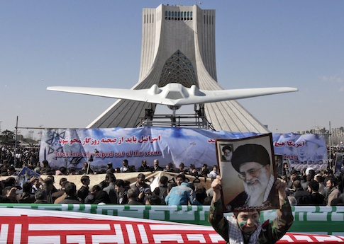 Iran showcases model of downed U.S. RQ-170 Sentinel drone / AP