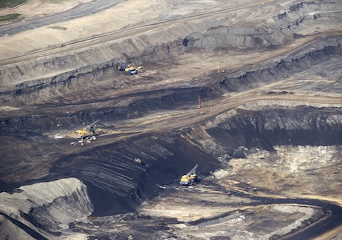 Oil sands in Alberta, Canada / AP