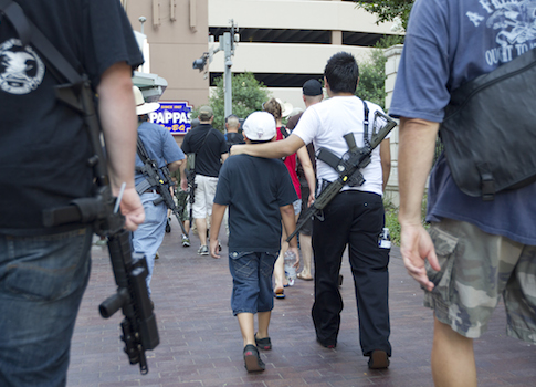 Protestors march through Houston with AR-15's / AP