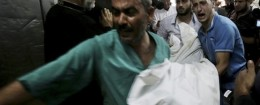 Palestinians in the morgue of Shifa Hospital / AP