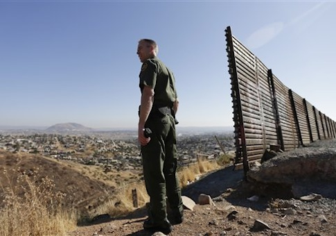 an introduction to the militarization of the us mexico border Exodus: transnational movement at the us-mexican border maria cristina   introduction the méxico  border patrol agents, technological surveillance, and  other forms of militarization have restricted this movement [1–4.