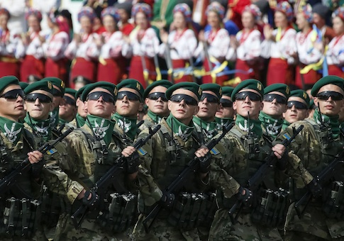Border guards march during Ukraine's Independence Day military parade, in the centre of Kiev August 24