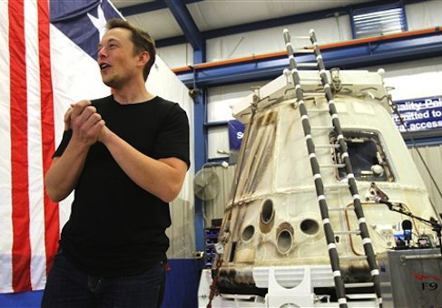 Elon Musk shows his SpaceX Dragon spacecraft in Texas / Ap