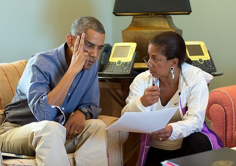 President Barack Obama talks with National Security Advisor Susan E. Rice following foreign leader phone calls, from Chilmark, Mass., August 11, 2014 / White House Flickr