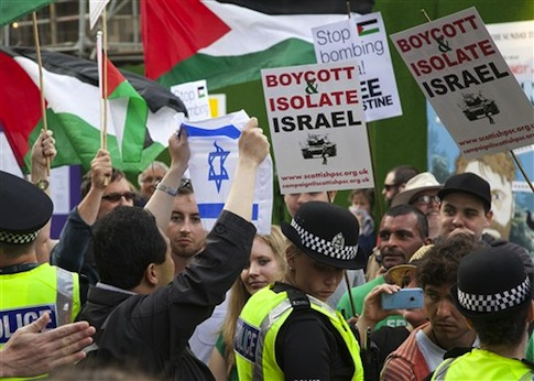 Anti-Israel protestors in Scotland / AP