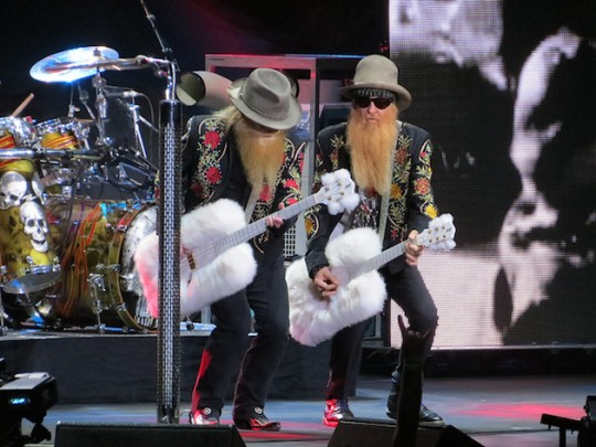 Elderly rock band ZZ Top struggles to perform live. (E Photos, flickr)