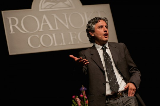 Creative writing professor Reza Aslan. (Wikimedia Commons)