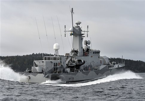Swedish corvette HMS Stockholm patrols Jungfrufjarden in the Stockholm archipelago / AP