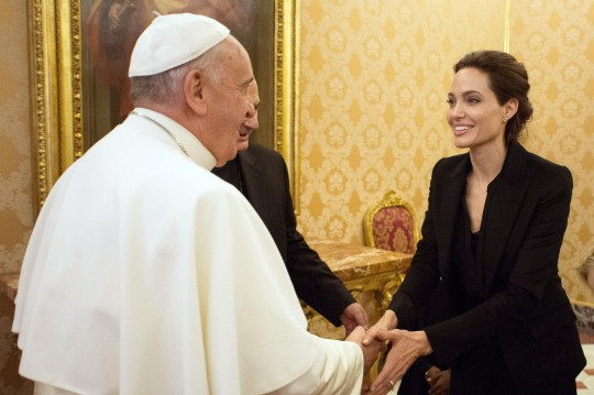 Angelina Jolie and the Pope / AP