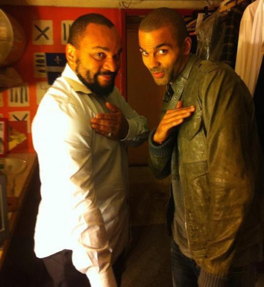Tony Parker performs the 'quenelle' with Dieudonne M'bala M'bala
