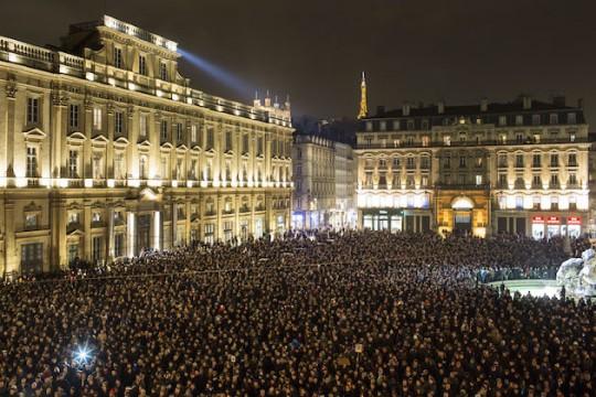 35 000 attend paris vigil following charlie hebdo terror attack