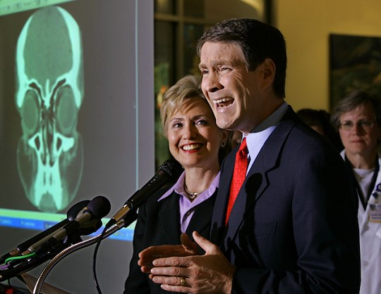 Former Senators Hillary Clinton and Bill Frist. (AP)