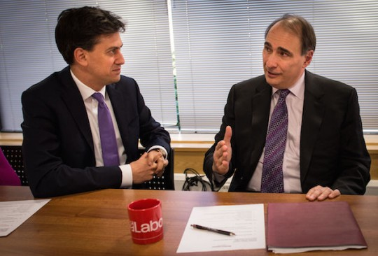 Former Obama adviser David Axelrod meets with Labor Party leader Ed Miliband. (AP)