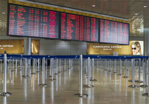 A list of canceled and delayed flights at Ben Gurion Airport / AP