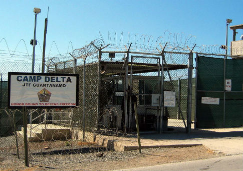 Camp Delta at Guantanamo Bay / Wikimedia Commons