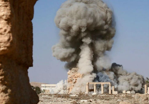 IS destroys the Temple of Baalshamin, Palmyra / Wikimedia Commons