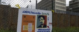 'Demonstration in front of Germany's BND foreign intelligence service / AP' from the web at 'http://freebeacon.com/wp-content/uploads/2015/11/Demonstration-in-front-of-Germany's-BND-foreign-intelligence-service-260x105.jpg'