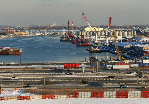 Port Newark / Wikimedia Commons