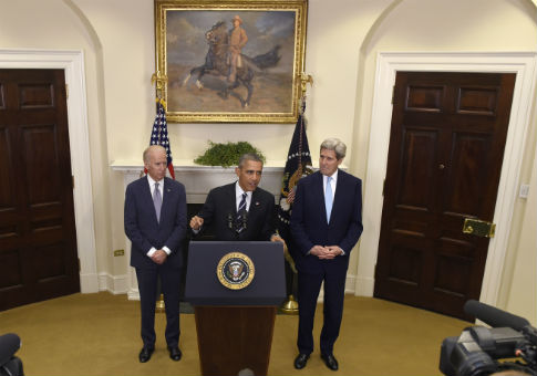 President Barack Obama, accompanied by Vice President Joe Biden and Secretary of State John Kerry, announces the rejection of the Keystone Pipeline / AP