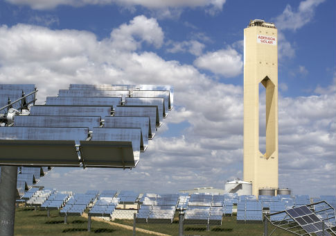 Abengoa 11MW solar power plant / Flickr Creative Commons