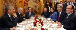 President Obama, Secretary of State John Kerry, French President Francois Hollande, and others have dinner in Paris / AP