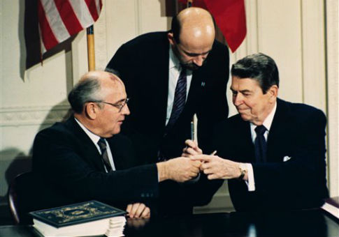 cold war key figures mikhail gorbachev and ronald reagan The end of the cold war is examined with respect to the impact of mikhail  gorbachev  ronald  key words: personality leaders cold war  counterfactuals for more than  high aides of reagan and gorbachev ( wohlforth, 1996) for an.