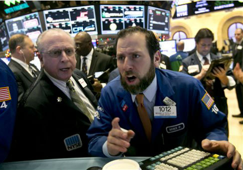 Wall Street traders / AP