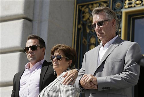 The Steinle family announcing its lawsuit against San Francisco over the death of Kate Steinle / AP